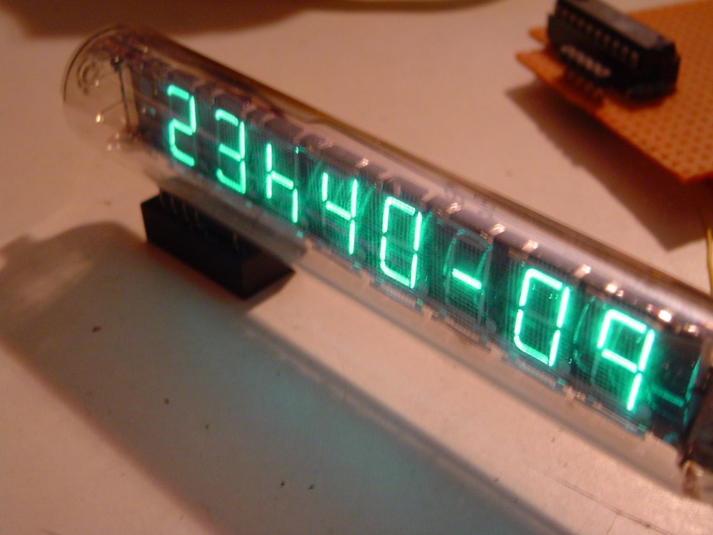 IV-18 Clock