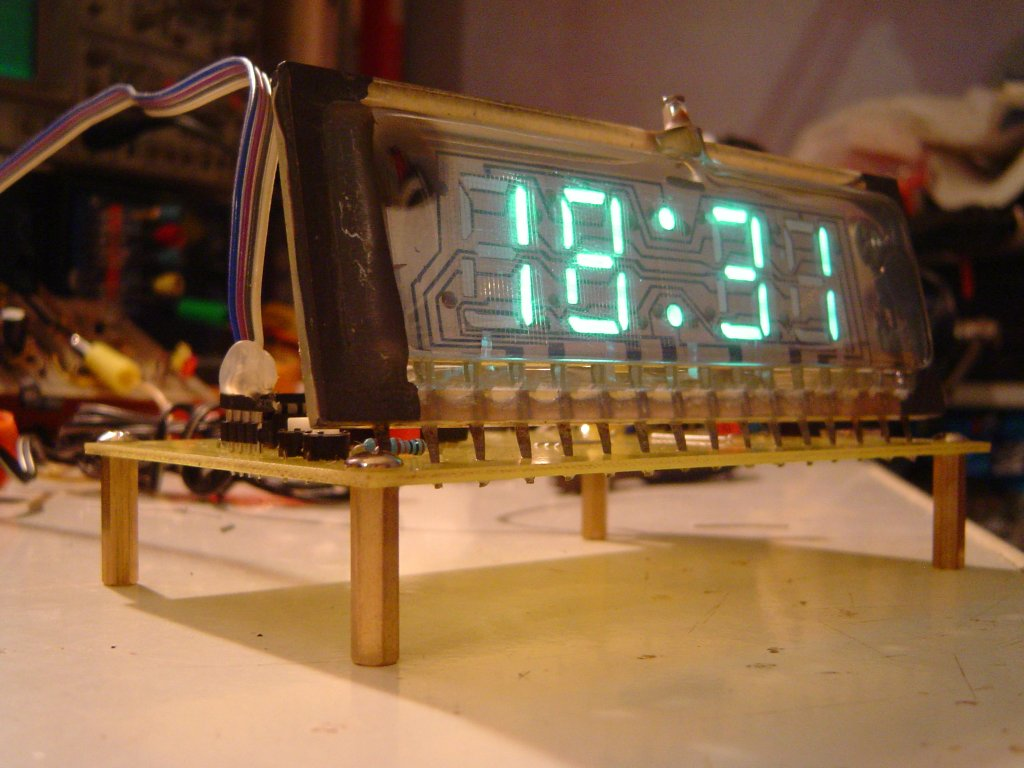 IVL1-7/5 Clock: we can see inside the VFD