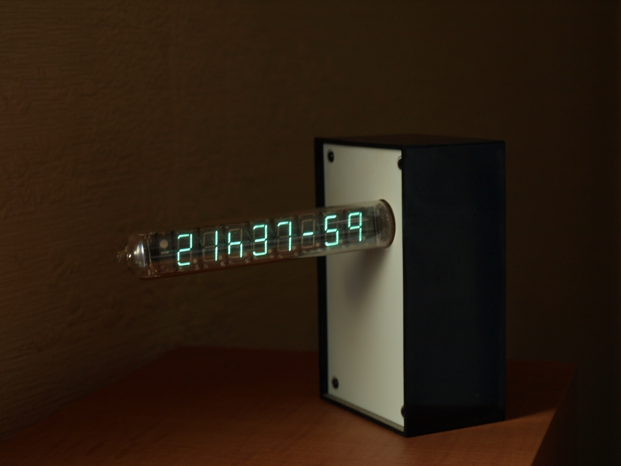 IV-18 final Clock