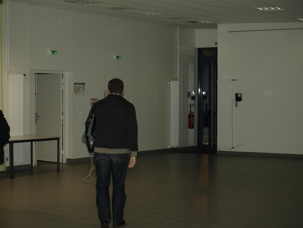 La grande salle suite (avec toujours Francois de dos)